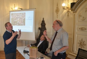 Yves MEJAT remet à Jean-Michel FETSCH des présents au nom de notre délégation.